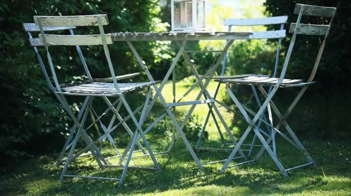 Chaise de jardin & table aluminium